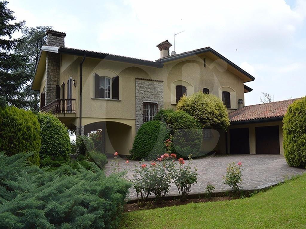 Rezzato panoramica villa unifamiliare in vendita