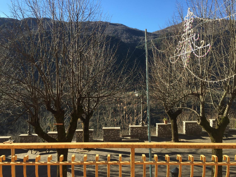 Appartamento in vendita a Pisoniano, 4 locali, prezzo € 60.000 | CambioCasa.it