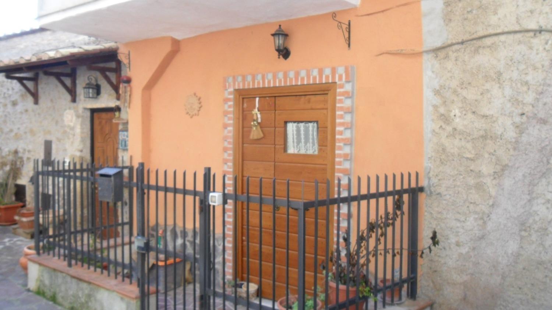 Appartamento in vendita a San Gregorio da Sassola, 2 locali, prezzo € 42.000 | CambioCasa.it