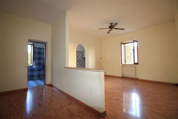 Appartamento in vendita a Mentana, 3 locali, prezzo € 95.000 | Cambio Casa.it
