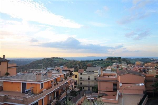 Appartamento in vendita a Mentana, 4 locali, prezzo € 95.000 | Cambio Casa.it