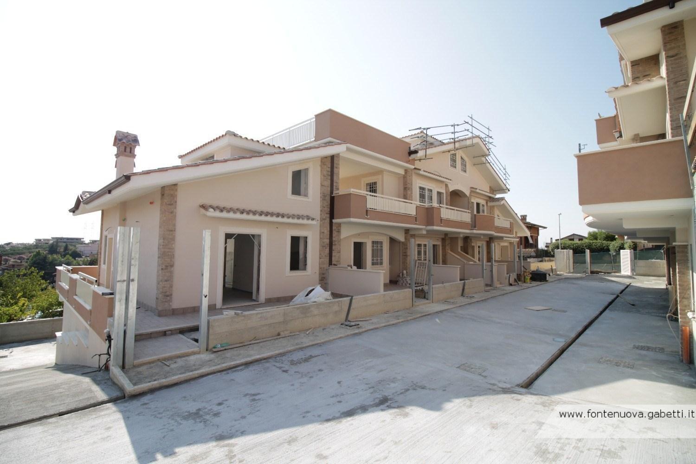 Appartamento in vendita a Fonte Nuova, 4 locali, prezzo € 169.000 | CambioCasa.it