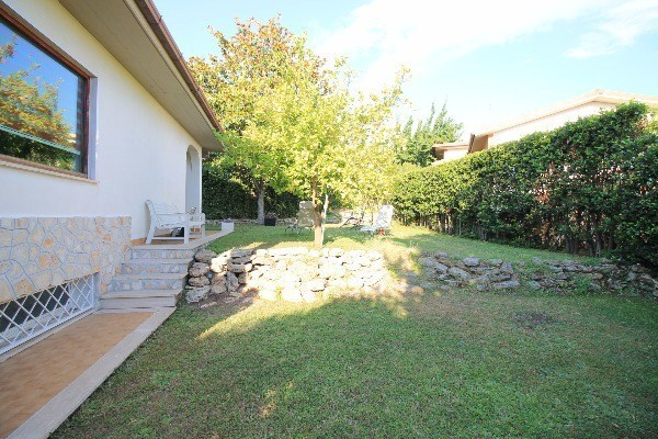 Villa in vendita a Guidonia Montecelio, 6 locali, prezzo € 379.000 | Cambio Casa.it