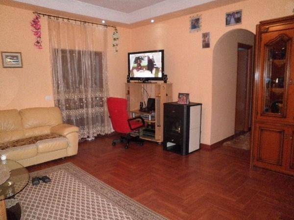 Villa in vendita a Mentana, 6 locali, prezzo € 225.000 | Cambio Casa.it