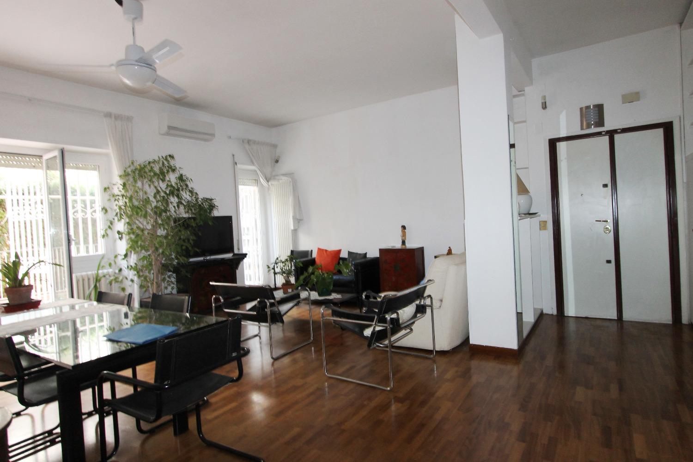 Trilocale in affitto a Roma in Via Del Vascello