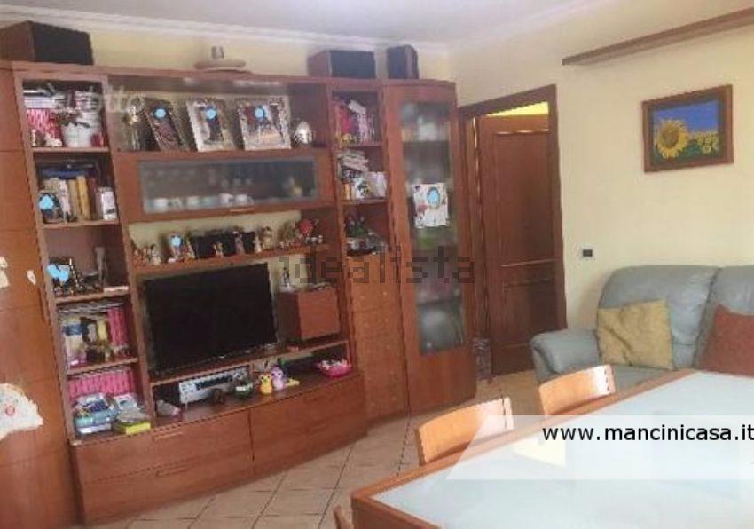 Appartamento in vendita a Monterotondo, 3 locali, prezzo € 189.000 | CambioCasa.it