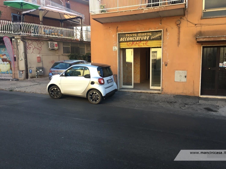 Negozio / Locale in vendita a Mentana, 2 locali, prezzo € 60.000   CambioCasa.it