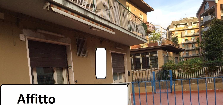 Negozio / Locale in affitto a Monterotondo, 5 locali, prezzo € 1.900   CambioCasa.it