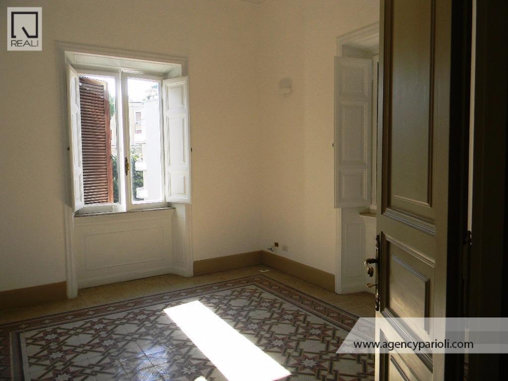 Appartamento in affitto a Roma, 6 locali, zona Zona: 30 . Prati, Borgo, San Pietro, prezzo € 4.800   Cambio Casa.it