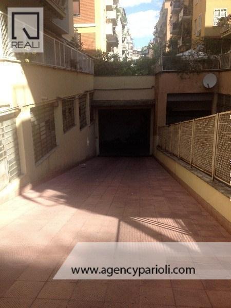Box / Garage in vendita a Roma, 1 locali, zona Zona: 15 . Appio Latino, Appia Antica, Furio Camillo, Alberone, prezzo € 35.000   Cambio Casa.it