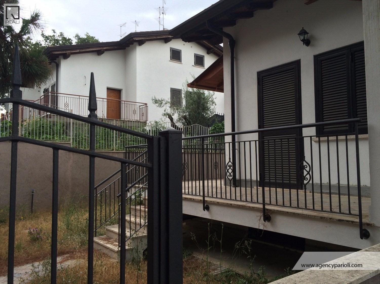 Villa a Schiera in Affitto a Roma