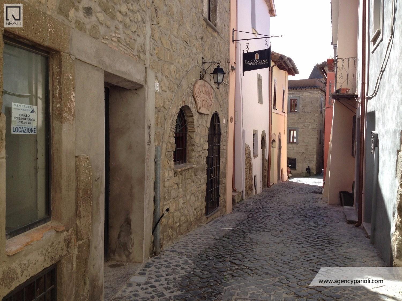 Negozio / Locale in affitto a Formello, 2 locali, prezzo € 500 | CambioCasa.it