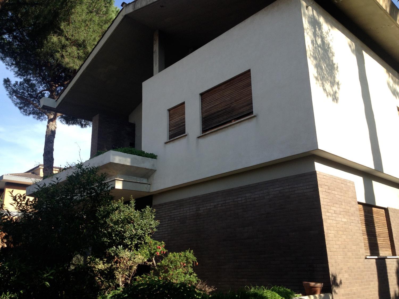 Villa in vendita a Roma, 7 locali, zona Zona: 13 . Tuscolano, Appio Claudio, Villa Lais, Quadraro, prezzo € 750.000 | CambioCasa.it