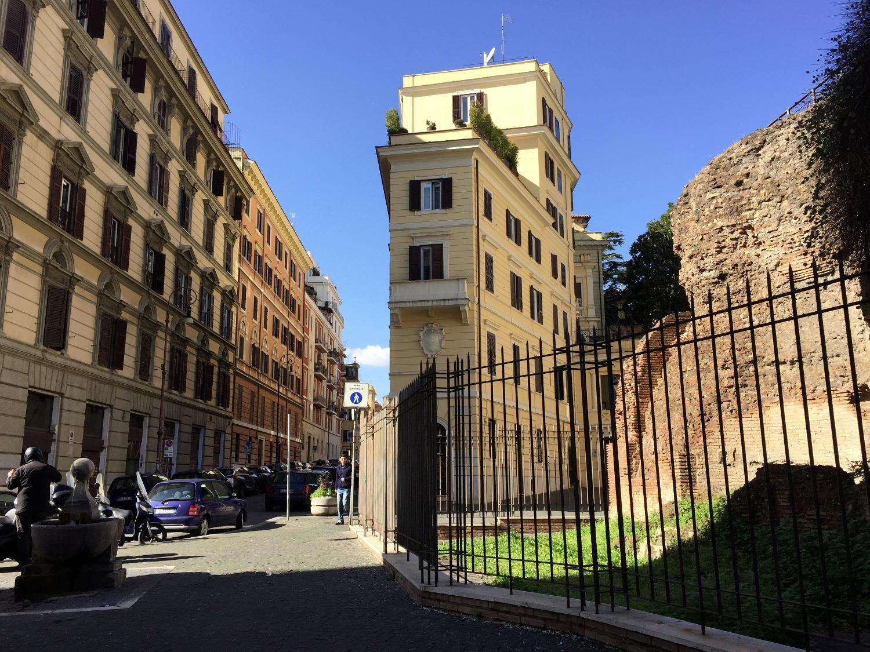 Negozio in affitto a Roma in Via Pietro Verri