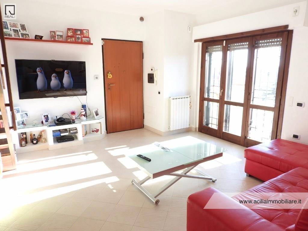Appartamento in vendita a Fiumicino, 3 locali, prezzo € 250.000 | Cambio Casa.it
