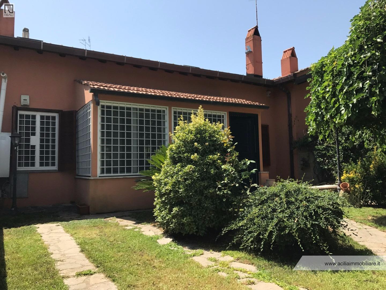 Villa in vendita a Roma, 6 locali, zona Zona: 38 . Acilia, Vitinia, Infernetto, Axa, Casal Palocco, Madonnetta, prezzo € 325.000 | CambioCasa.it