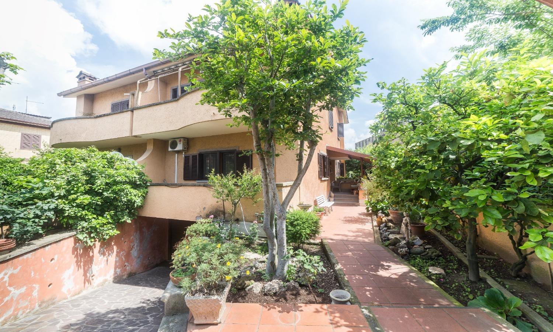 Villa in affitto a Roma in Via Ernesto Allason, 1