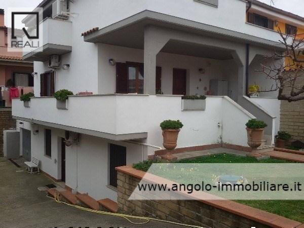 Villa in vendita a Ladispoli, 5 locali, prezzo € 309.000 | Cambio Casa.it