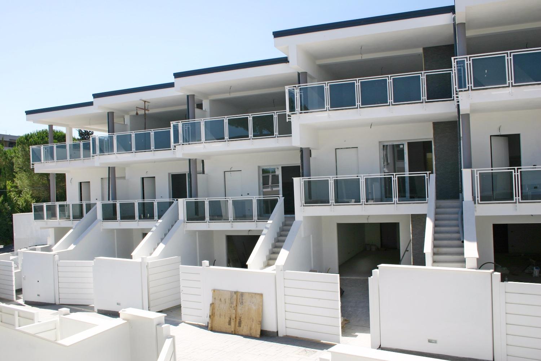 Villa in vendita a Roma, 4 locali, zona Zona: 38 . Acilia, Vitinia, Infernetto, Axa, Casal Palocco, Madonnetta, prezzo € 330.000 | CambioCasa.it