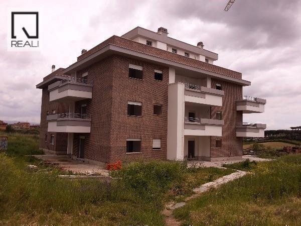 Appartamento in vendita a Roma, 2 locali, zona Zona: 21 . Laurentina, prezzo € 172.000   Cambio Casa.it