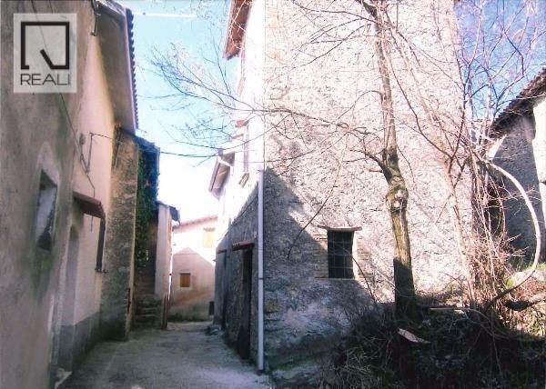 Villa a Schiera in vendita a Cantalice, 4 locali, prezzo € 50.000 | Cambio Casa.it