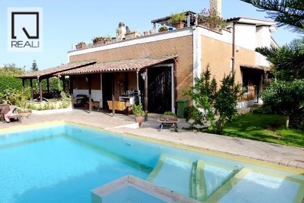 Villa in vendita a Roma, 9 locali, zona Zona: 38 . Acilia, Vitinia, Infernetto, Axa, Casal Palocco, Madonnetta, prezzo € 750.000 | Cambio Casa.it