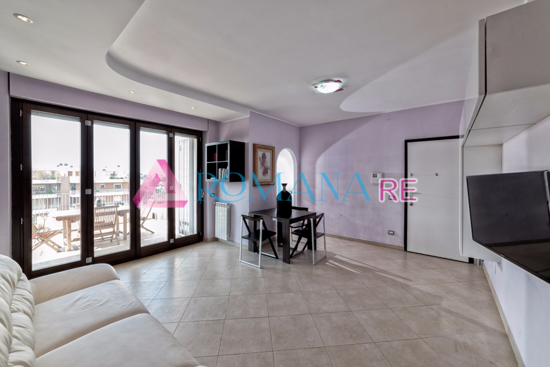 Attico / Mansarda in vendita a Roma, 3 locali, zona Zona: 22 . Eur - Torrino - Spinaceto, prezzo € 399.000   Cambio Casa.it