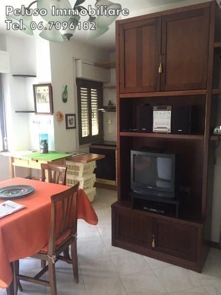 Appartamento in vendita a Pomezia, 2 locali, prezzo € 115.000 | Cambio Casa.it