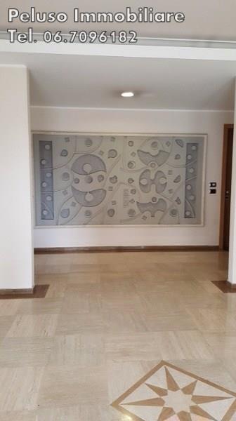 Appartamento in vendita a Roma, 3 locali, zona Zona: 18 . Ardeatino - Grotta Perfetta - Fonte Meravigliosa, prezzo € 765.000   Cambio Casa.it