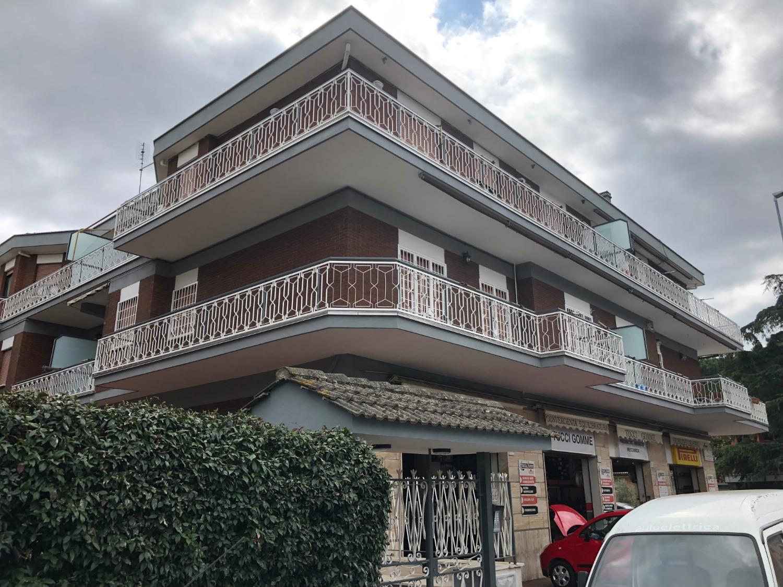 Bilocale in affitto a Roma in Via Gasperina N., 258