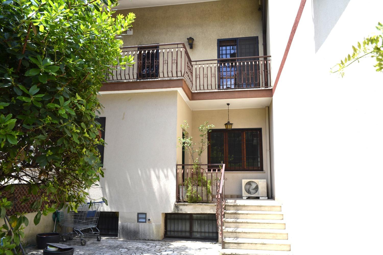Villa in affitto a Roma in Via Cerzeto N., 52