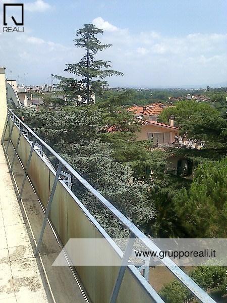 Attico / Mansarda in Affitto a Roma