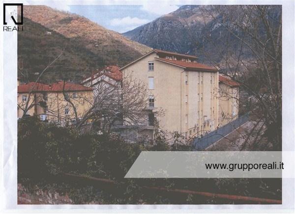 Palazzo / Stabile in vendita a Antrodoco, 9 locali, prezzo € 590.000 | Cambio Casa.it