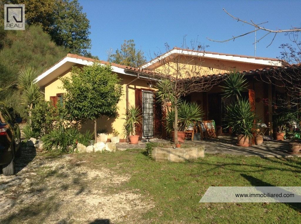 Villa a Schiera in Vendita a Poggio Mirteto