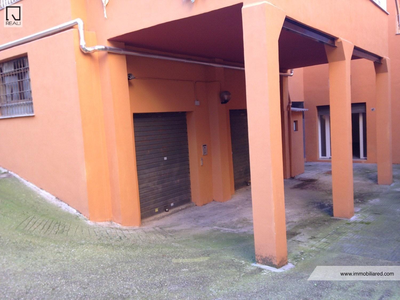 Laboratorio in affitto a Roma, 1 locali, zona Zona: 13 . Tuscolano, Appio Claudio, Villa Lais, Quadraro, prezzo € 950 | CambioCasa.it