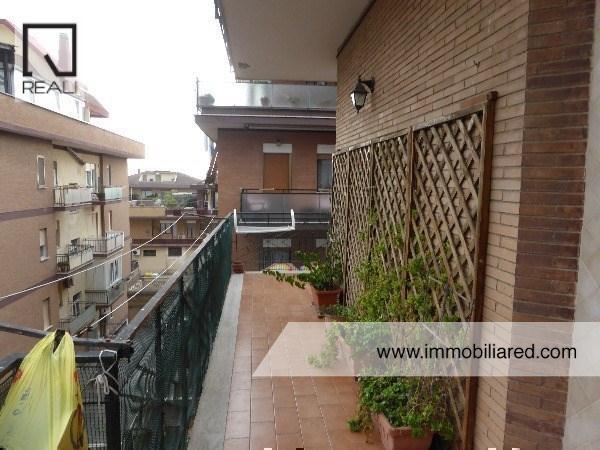 Appartamento in vendita a Pomezia, 2 locali, prezzo € 150.000 | Cambio Casa.it