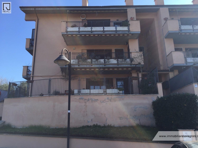 Appartamento in vendita a Grottaferrata, 3 locali, prezzo € 285.000 | Cambio Casa.it