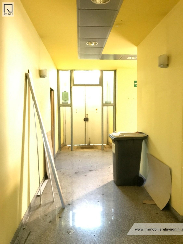 Ricerca immobili agenzia immobiliare lavagnini for Affitto ufficio anagnina
