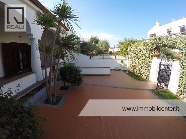 Villa a Schiera in vendita a Ardea, 4 locali, prezzo € 330.000 | Cambio Casa.it