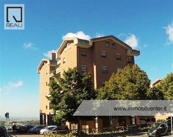 Appartamento in vendita a Albano Laziale, 5 locali, prezzo € 295.000 | Cambio Casa.it