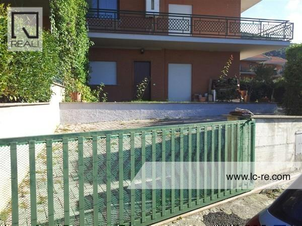 Villa a Schiera in Vendita a Scandriglia