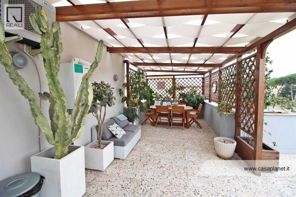 Attico / Mansarda in vendita a Roma, 2 locali, zona Zona: 23 . Portuense - Magliana, prezzo € 235.000   Cambio Casa.it