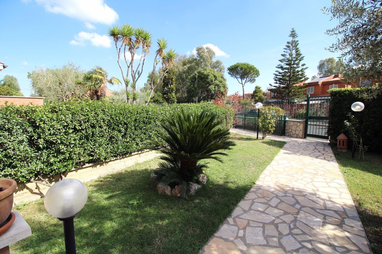 Villa in vendita a Roma, 7 locali, zona Zona: 23 . Portuense - Magliana, prezzo € 890.000 | CambioCasa.it