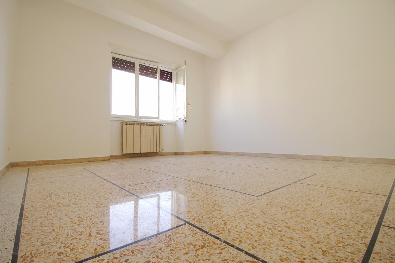 Appartamento in vendita a Roma, 3 locali, zona Zona: 20 . Marconi - Ostiense, prezzo € 325.000 | CambioCasa.it