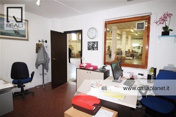 Capannone in vendita a Roma, 9999 locali, zona Zona: 23 . Portuense - Magliana, prezzo € 180.000 | Cambio Casa.it