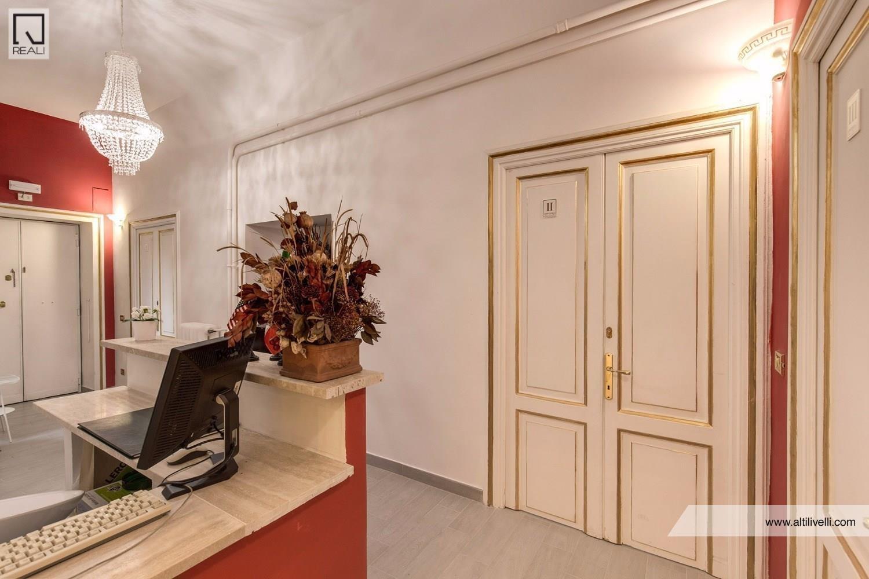 Albergo in vendita a Roma, 4 locali, zona Zona: 25 . Trastevere - Testaccio, prezzo € 180.000 | Cambio Casa.it