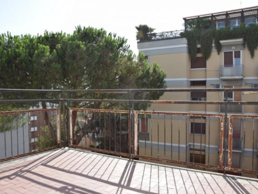 Appartamento in vendita a Roma, 4 locali, zona Zona: 22 . Eur - Torrino - Spinaceto, prezzo € 519.000 | CambioCasa.it