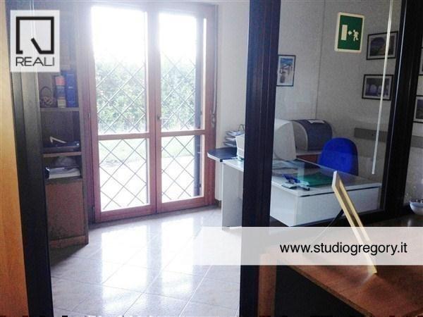Ufficio / Studio in vendita a Roma, 8 locali, zona Zona: 13 . Tuscolano - Appio Claudio, prezzo € 430.000 | Cambiocasa.it