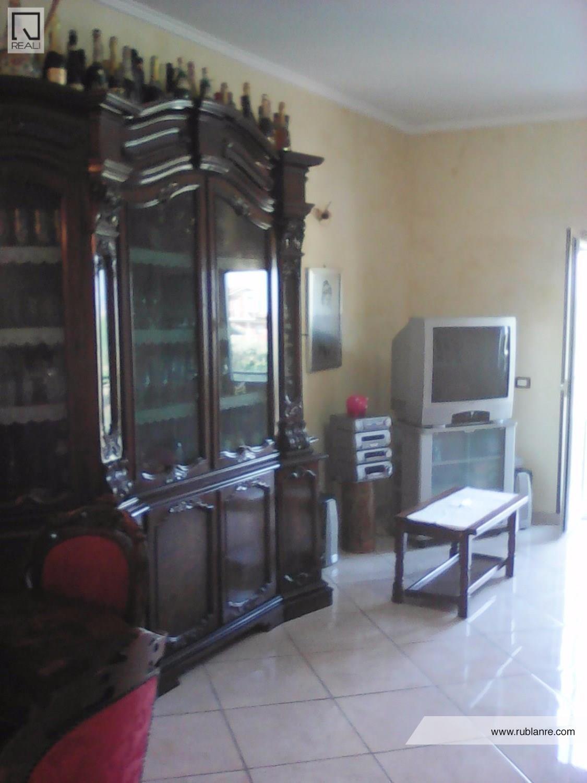 Appartamento in vendita a Roma, 3 locali, zona Zona: 21 . Laurentina, prezzo € 240.000 | Cambio Casa.it