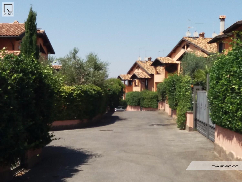 Villa a Schiera in Vendita a Cisterna di Latina